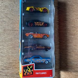 NEW 2020 Hot Wheels 5 pack Car Gift Pack HW Flames